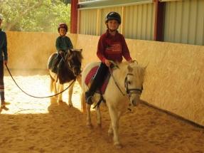 enfants-poneys-ecuries-des-perrelles-la-vacquerie